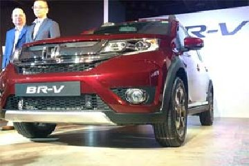 honda br v price ranges between rs 8 75 lakh rs 12 90 lakh in india returns 21 9 kmpl mileage
