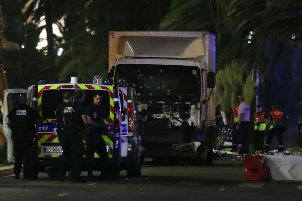 france truck attack 80 mowed down in nice during bastille day celebration