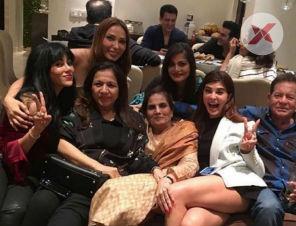 salman khan celebrated mother salma khan s birthday
